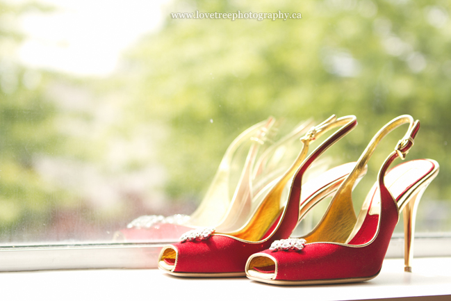 Red wedding shoes | image by Langley wedding photographer www.lovetreephotography.ca