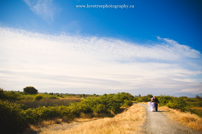 Boundary Bay, Ladner BC; image by vancouver wedding photographers www.lovetreephotography.ca