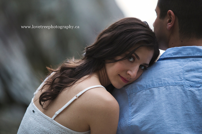 beach engagement session in west vancouver by vancouver engagement photographers www.lovetreephotography.ca