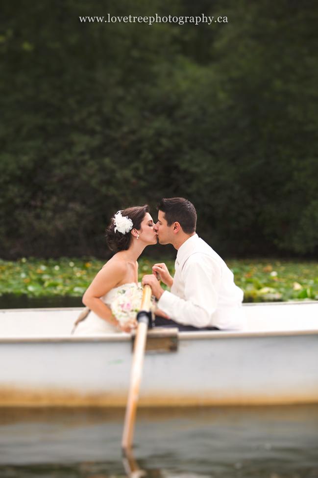 rowboat bride & groom | lake wedding | www.lovetreephotography.ca