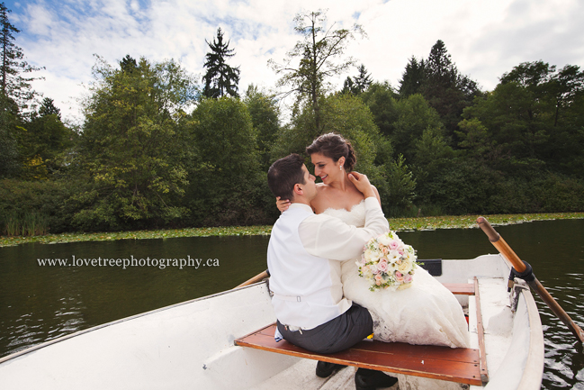 Rowboat wedding | award winning wedding photography | www.lovetreephotography.ca